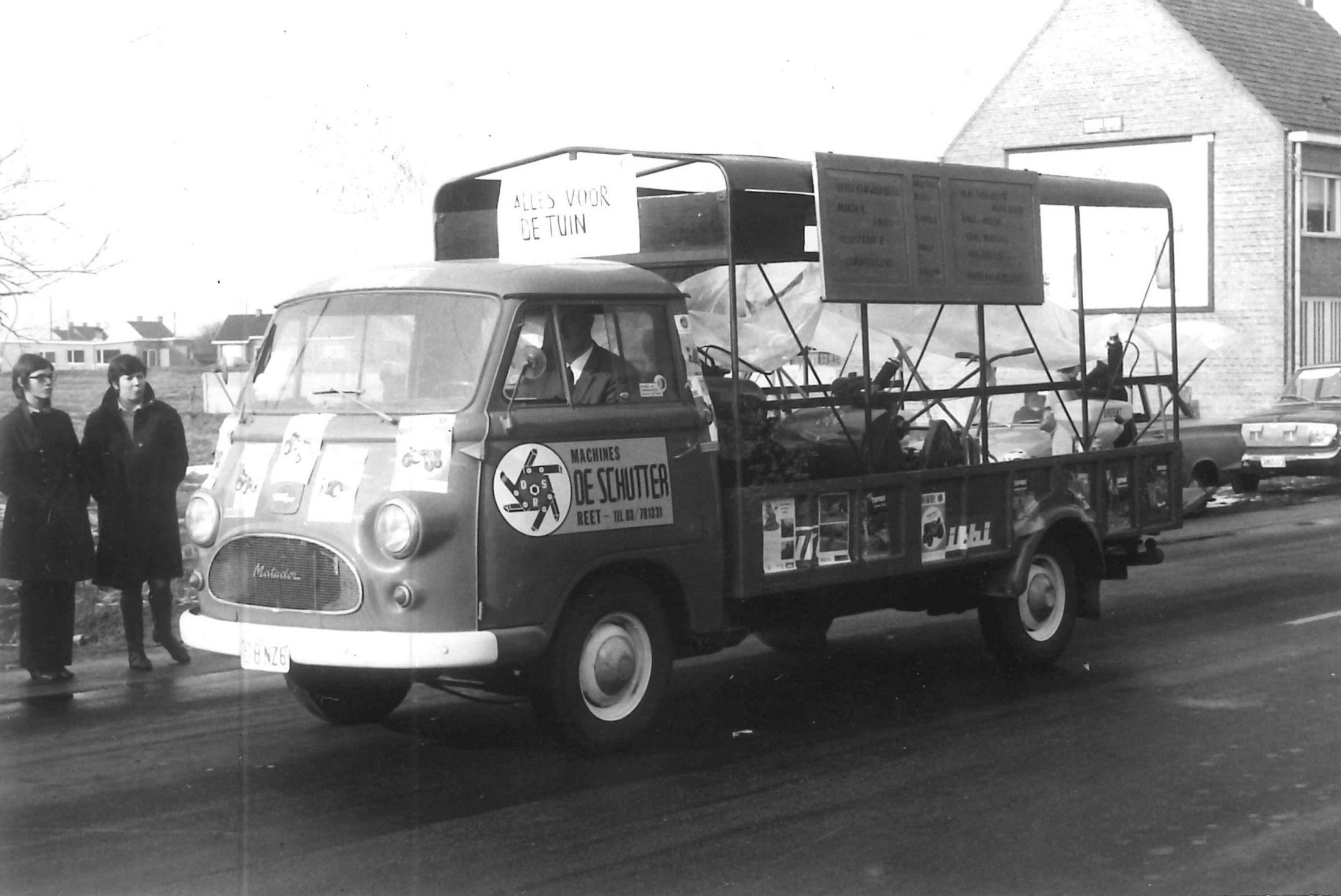 oude bedrijfsbus